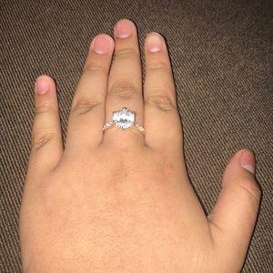 Jewelry - A Diamond ring